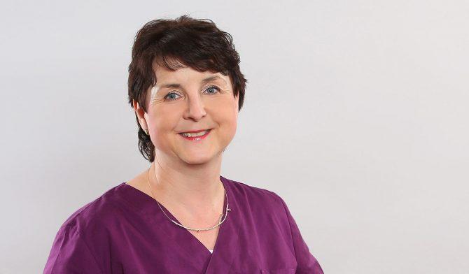 In unserer Praxis ist Dr. Antje Hottelmann auf die Durchführung von chirurgischen Behandlungen spezialisiert.